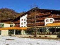 Slováci postavili v Rakúsku nízkoenergetický hotel z dreva